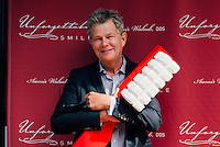 David Foster at Unforgettable Smile Ribbon Cutting Ceremony on Oct. 22, 2014 (Photo by Tiffany Chien/Guest Of A Guest)
