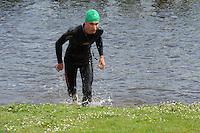 TRIATHLON: HEERENVEEN: 23-05-2015, CLAFIS Triathlon Heerenveen, Olympische klasse, Scott Hentzepeter (#127), ©foto Martin de Jong