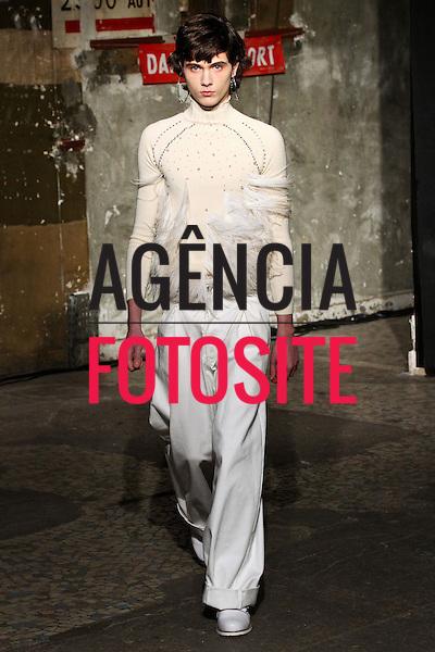 Neith Nyer<br /> <br /> Paris - Inverno 2016<br /> <br /> <br /> foto: DIVULGA&Ccedil;&Atilde;O