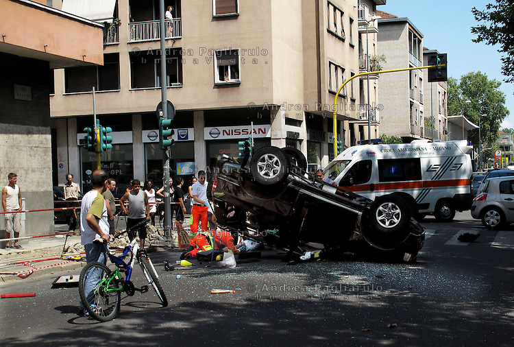 Italia, Milano, 11/07/2009..Vittime della strada..#####.Italy, Milan, 11/07/2009..Road accident victims..© Andrea Pagliarulo