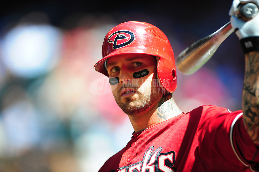 Apr. 27, 2011; Phoenix, AZ, USA; Arizona Diamondbacks third baseman Ryan Roberts against the Philadelphia Phillies at Chase Field. Mandatory Credit: Mark J. Rebilas-