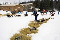 M.Williams Mushes Through As A.Burmeister Lays Over Anvik Chkpt Iditarod 2005