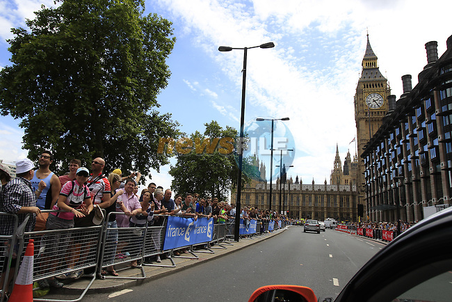 Huge crowds await the riders at Westminster at the end of Stage 3 of the 2014 Tour de France running 155km from Cambridge to London. 7th July 2014.<br /> Picture: Eoin Clarke www.newsfile.ie