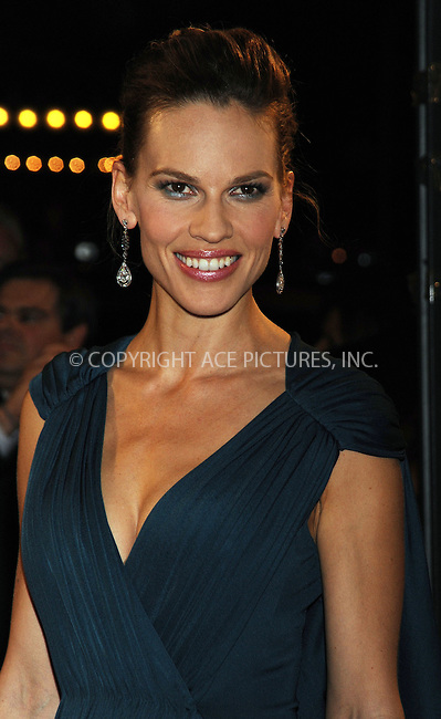 WWW.ACEPIXS.COM . . . . .  ....October 20 2009, New York City....Actress Hilary Swank arriving at the premiere of 'Amelia' at The Paris Theatre on October 20, 2009 in New York City. ....Please byline: AJ Sokalner - ACEPIXS.COM..... *** ***..Ace Pictures, Inc:  ..tel: (212) 243 8787..e-mail: info@acepixs.com..web: http://www.acepixs.com