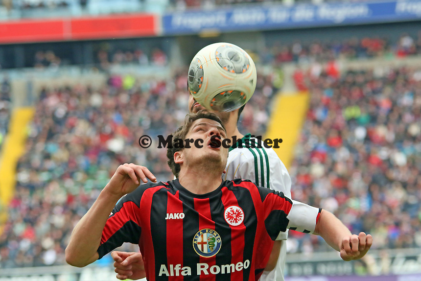 Pirmin Schwegler (Eintracht) gegen Emre Can (Bayer) - Eintracht Frankfurt vs. Bayer Leverkusen, Commerzbank Arena
