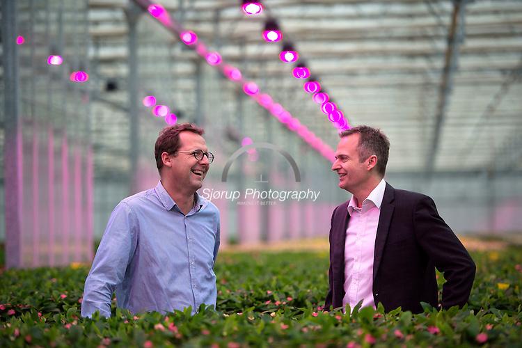 Fionia/Senmatic laver LED lys til gartnerier og har fået stor succes På Billedet ses Mads Sckerl (CEO) og Morten Hjort (Sales Manager)