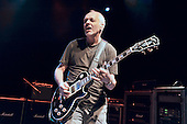 Mar 05, 2011: PETER FRAMPTON - Empire Shepherds Bush London