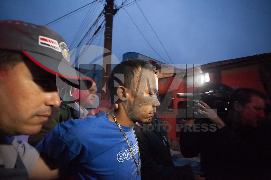 MOGI DAS CRUZES ,SP , 29 DE AGOSTO DE 2013 , PRESO O ACUSADO DE MATAR POLICIAL &ndash;MOGI DAS CRUZES SP,Hoje foi preso na estrada do Preju pr&oacute;ximo ao bairro Miguel Badra baixo que fica na divisa de Suzano com Po&aacute;,Ismael Ribeiro da Silva confessou ter matado com 5 tiros no dia 21 de <br /> Junho o soldado da Policia Militar do 35 BPMA de Itaqu&aacute; na grande Sao Paulo,com o Cear&aacute; foi apreendido um Fox vermelho que e produto de roubo com placa EHX 8726 Guarulhos,o caso foi encaminhado para o Setor de Homicidios em Mogi das Cruzes na grande Soa Paulo,FOTO:WARLEY LEITE/BRAZIL PHOTO PRESS