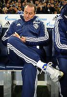 FUSSBALL   1. BUNDESLIGA   SAISON 2011/2012    15. SPIELTAG FC Schalke 04 - FC Augsburg            04.12.2011 Trainer Huub Stevens (FC Schalke 04)