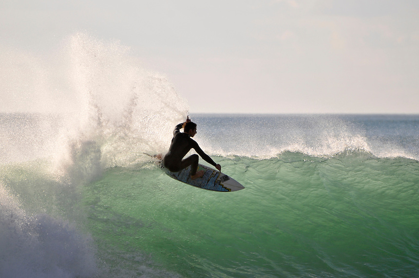 Surfer, Manu Bay, Raglan
