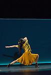 UNE SORTE DE....Choregraphie : EK Mats..Decor : GEBER Maria..Lumiere : RUGE Ellen..Costumes : GEBER Maria..Avec :..KUDO Miteki..Lieu : Opera Garnier..Ville : Paris..Le : 25 04 2008..Copyright (c) 2008 by © Laurent Paillier/ www.photosdedanse.com. All rights reserved.