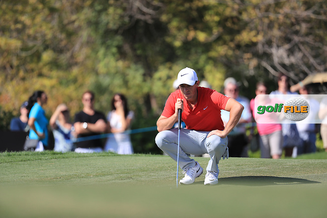 Rory McIlroy (NIR) on the 12th tee during round 2 of the DP World Tour Championship, Jumeirah Golf Estates, Dubai, United Arab Emirates. 18/11/2016<br /> Picture: Golffile | Fran Caffrey<br /> <br /> <br /> All photo usage must carry mandatory copyright credit (&copy; Golffile | Fran Caffrey)