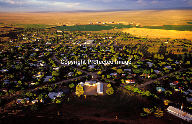 DIPOAFR00034.Culture Afrikaners An overview of Orania, an all white Afrikaner community in Northern Cape, South Africa where about 600 people live on January 16, 2003.  .Photo: Per-Anders Pettersson/ iAfrika Photos