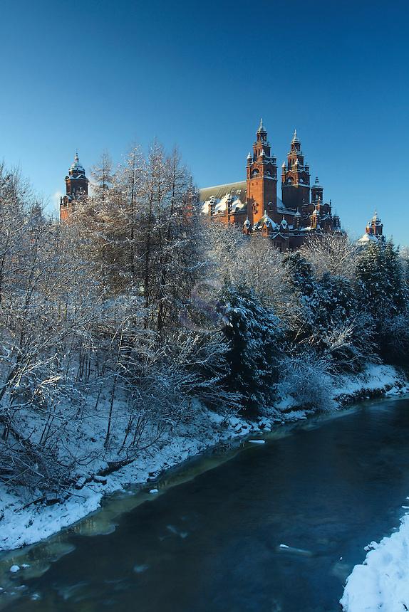 Kelvingrove Art Galleries, the River Kelvin and Kelvingrove Park in winter, Glasgow<br /> <br /> Copyright www.scottishhorizons.co.uk/Keith Fergus 2011 All Rights Reserved
