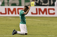 PALMIRA - COLOMBIA, 08-02-2020: Darwin Andrade del Cali celebra después del partido entre Deportivo Cali y América de Cali por la fecha 4 de la Liga BetPlay DIMAYOR I 2020 jugado en el estadio Deportivo Cali de la ciudad de Palmira. / Darwin Andrade of Cali celebrates after match for the date 4 as part of BetPlay DIMAYOR League I 2020 between Deportivo Cali and America de Cali played at Deportivo Cali stadium in Palmira city . Photo: VizzorImage / Gabriel Aponte / Staff