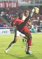CALI -COLOMBIA-08-09-2013. Aspecto del partido entre América de Cali y Llaneros válido por la fecha 11 del Torneo Postobón II 2013 en el estadio Pacual Guerrero./ Aspect of the match between America de Cali and Llaneros valid for the 11th date of Postobon Tournament II 2013 at Pascual Guerrero stadium. Photo: VizzorImage/Juan C. Quintero/STR