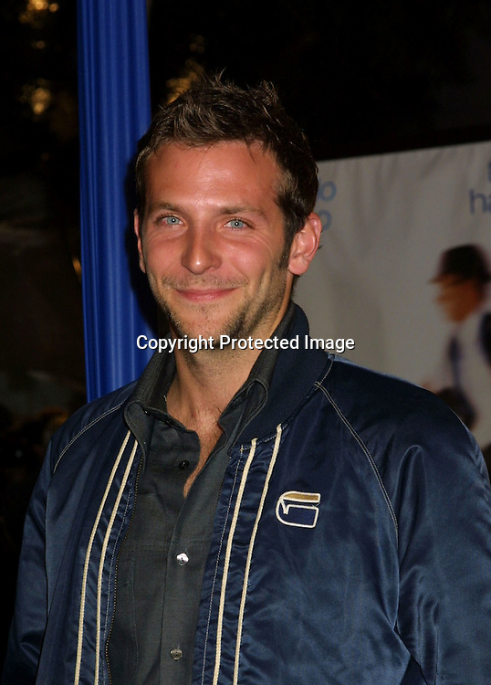 "©2002 KATHY HUTCHINS / HUTCHINS PHOTO."" CATCH ME IF YOU CAN"" PREMIERE.WESTWOOD, CA. 12/16/02.BRADLEY COOPER"