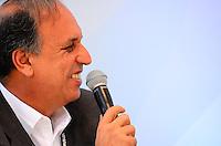 RIO DE JANEIRO, RJ, 12 DE JUNHO DE 2013 -UM ANO PARA A COPA DO MUNDO DA FIFA -  , Luiz Fernando Pezão no evento que marca um ano para o pontapé Copa do Mundo da FIFA Brasil 2014 e inclui uma revelação especial do relógio de contagem regressiva da Hublot, desenhado por Oscar Niemeyer, na Praia de Copacabana, zona sul do Rio de Janeiro.FONSECA/BRAZIL PHOTO PRESS