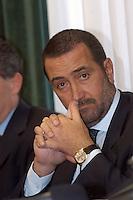 8 GIU 2004 Milano: conferenza stampa dopo l'arresto di AHMED SAYED OSMAN RABEI ( considerato una delle menti degli attentati di Al Qaeda a Madrid ) e di YAHIA PAYUMI palestinese, FRANCESCO GRATTERI capo dell'anti terrorismo.