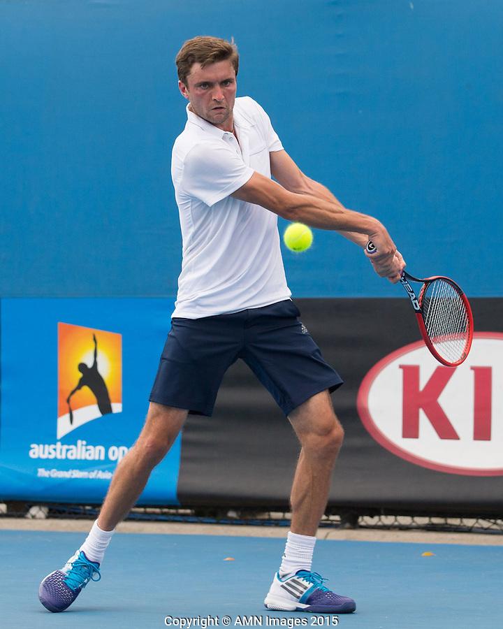 Gilles Simon (FRA)<br /> <br /> Tennis - Australian Open 2015 - Grand Slam -  Melbourne Park - Melbourne - Victoria - Australia  - 22 January 2015. <br /> &copy; AMN IMAGES