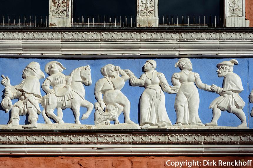Reliefs am Fürstenhof (16Jh.) in Wismar, Mecklenburg-Vorpommern, Deutschland, UNESCO-Weltkulturerbe