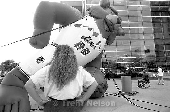 Inflatable Jazz bear falls over to consternation of worker before Jazz vs. Bulls game 1, NBA Finals. Jazz won.<br />