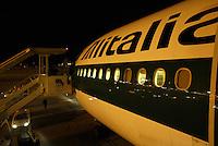 Aereo Alitalia all'aeroporto di Milano Linate