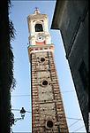 Azeglio (To). Paese che fa parte degli intinerari dei luoghi del Risorgimento. Nella foto Torre campanaria.