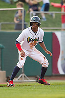 Cedar Rapids Kernels outfielder Byron Buxton #7 runs during a game against the Lansing Lugnuts at Veterans Memorial Stadium on April 29, 2013 in Cedar Rapids, Iowa. (Brace Hemmelgarn/Four Seam Images)