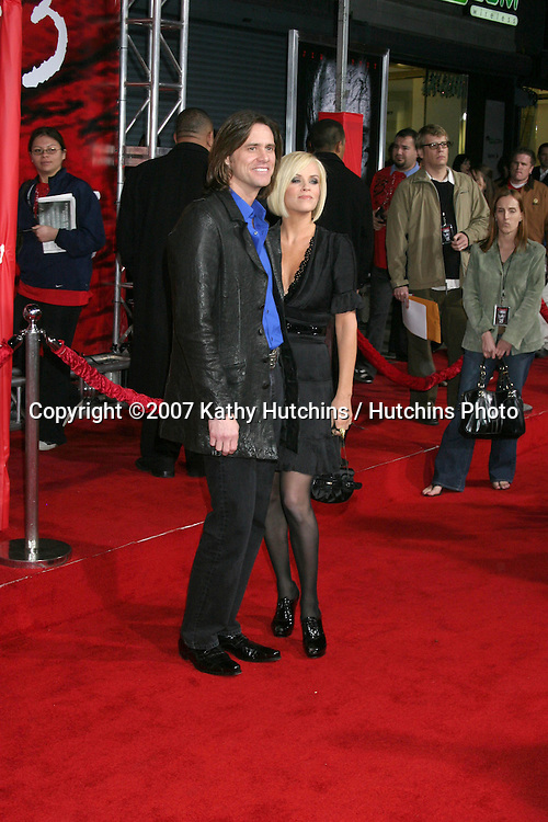 """Jim Carrey & Jenny McCarthy.""""The Number 23"""" LA Premiere.Orpheum Theater.Los Angeles, CA.February 13, 2007.©2007 Kathy Hutchins / Hutchins Photo.-"""
