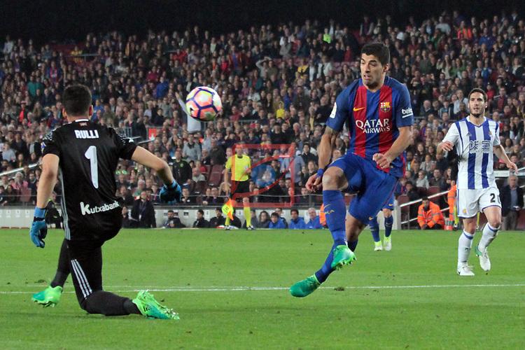 League Santander 2016/2017. Game: 32.<br /> FC Barcelona vs Real Sociedad: 3-2.<br /> Luis Suarez vs Rulli.
