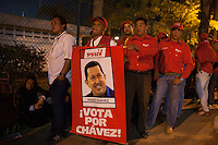 CARACAS - VENEZUELA 07-03-2013, Aspecto de la gente en la Academia Militar esperando para poder ver por última vez a su lider, presidente de Venezuela, Hugo Chavez Frías quién falleció el pasado martes 5 de marzo de 2013 a causa del cancer a la edad de 58 años./ People wait at Military Academy to see for last time their leader, president of Venezuela, Hugo Chavez Frias who died by cancer the past March 5th of 2013 at the age of 58. Photo: VizzorImage / CONT