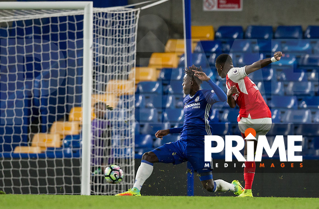 Stephy Mavididi of Arsenal  scores his goal during the EPL2 - U23 - Premier League 2 match between Chelsea and Arsenal at Stamford Bridge, London, England on 23 September 2016. Photo by Andy Rowland.