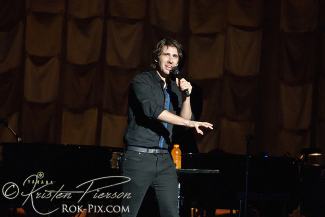 Josh Groban performs at Mohegan Sun Arena August 29 2014