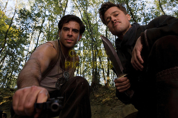ELI ROTH & BRAD PITT.in Inglourious Basterds (Inglorious Bastards).*Filmstill - Editorial Use Only*.CAP/FB.Supplied by Capital Pictures.