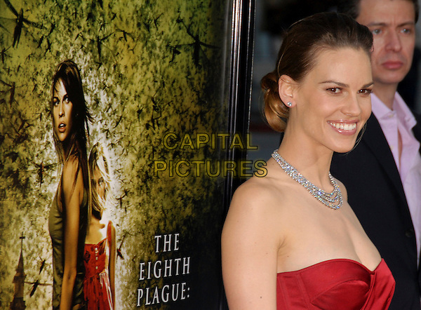 "HILARY SWANK.The Warner Brothers' Pictures L.A. Premiere of ""The Reaping"" held at The Mann Village Theatre in Westwood, California, USA. .March 29th, 2007.headshot portrait diamond necklace strapless .CAP/DVS.©Debbie VanStory/Capital Pictures"
