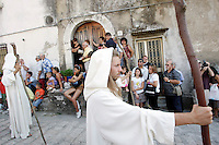Figuranti prendono parte alla processione conclusiva dei Riti Settennali dedicati alla Vergine Assunta a Guardia Sanframondi, 22 agosto 2010..Figurants take part in the procession closing the septennial rites in honour of the Virgin Assunta, in the village of Guardia Sanframondi, southern Italy, 22 august 2010..UPDATE IMAGES PRESS/Riccardo De Luca