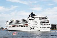 Nederland Amsterdam 2016. Cruiseschip op het IJ.  Foto Berlinda van Dam / Hollandse Hoogte