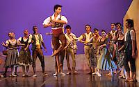 CALI - COLOMBIA- 05-06-2013: Presentacion del Grupo Magdeburg Ballet de Alemania en el teatro Municipal de Cali en el séptimo  Festival Internacional de Ballet, Incolballet,  junio 5 de 2013 La compañía  Magdeburg Ballet se crea en el  2006/2007 bajo la dirección artística  del bailarín  y coreógrafo Cubano Gonzalo Galguera. La agrupación tiene su sede permanente en el teatro Magdeburg , capital del estado federado de Sajonia -Anhalt y esta conformado por un elenco internacional de bailarinas y bailarines de nacionalidades diferentes , cuenta con un alto repertorio de tendencia neoclasista  y contemporánea e internacional en los más diversos estilos y expresiones dancísticas de la actualidad. Organiza generalmente temporadas a lo largo del año, ha participado como invitada  en festivales internacionales como Cuba, Colombia Bosnia entre otros. (Foto: VizzorImage / Juan C. Quintero / Str.).  Presentation of the Ballet Group Magdeburg of Germany. At the Municipal theater in Cali in the seventh International Ballet Festival, Incolballet, June 5, 2013 The company Magdeburg Ballet is created in the 2006/2007 under the artistic direction of Gonzalo Galguera Cuban dancer and choreographer. The pool has its seat at the theater Magdeburg, the capital of the federal state of Saxony-Anhalt and is comprised of an international cast of dancers and dancers of different nationalities has a high tendency repertoire of contemporary and international neoclasista in diverse dancísticas styles and expressions of today. Seasons usually organized along the year, has participated as invited in international festivals such as Cuba, Colombia Bosnia among others. (Photo: VizzorImage / John C. Quintero / Str). (Photo: VizzorImage / John C. Quintero / Str)
