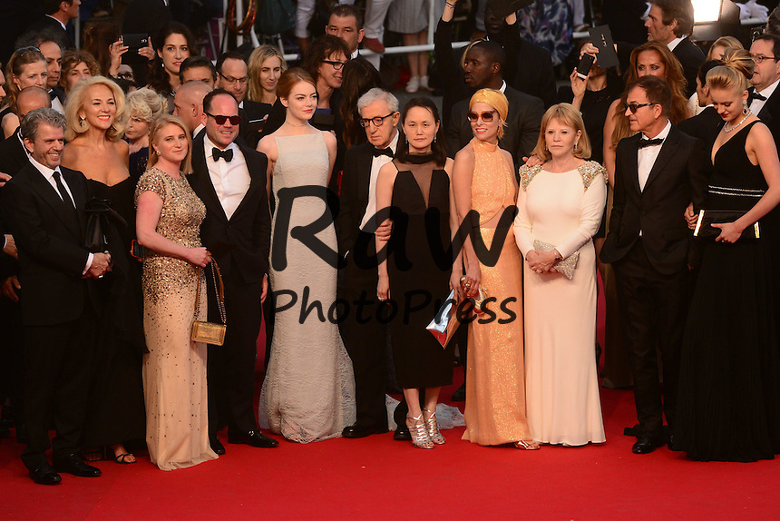 Se ha presentado la pel&iacute;cula Irrational Man en el Festival de Cannes 2015.<br /> <br /> 196884 De Rosa-Garcia / Starface 2015-05-15 <br /> Cannes France<br /> 68th Annual Cannes Film Festival. Red Carpet &quot;Irrational Man&quot; movie. 68&egrave;me Festival International du film de Cannes. Mont&eacute;e des marches du film &quot;Irrational Man&quot;.