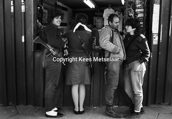Israel, March and April 1987  ..A trip through Israel and its occupied territories during the first Intifada, Palestinian uprising in 1987.  .Mixed sex soldiers in the North close to Lebanon...Photo Kees Metselaar