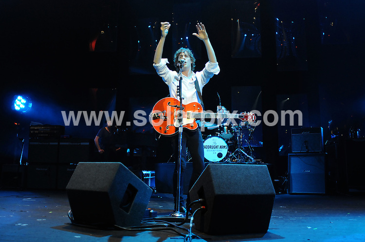 **ALL ROUND PICTURES FROM SOLARPIX.COM**.**WORLDWIDE SYNDICATION RIGHTS**.Razorlight perform live in concert at the Carling Brixton Academy, London, UK. 13th November 2008..This pic: Johnny Borrell from Razorlight..JOB REF: 7880 SSD     DATE: 13_11_2008.**MUST CREDIT SOLARPIX.COM OR DOUBLE FEE WILL BE CHARGED* *UNDER NO CIRCUMSTANCES IS THIS IMAGE TO BE REPRODUCED FOR ANY ONLINE EDITION WITHOUT PRIOR PERMISSION*