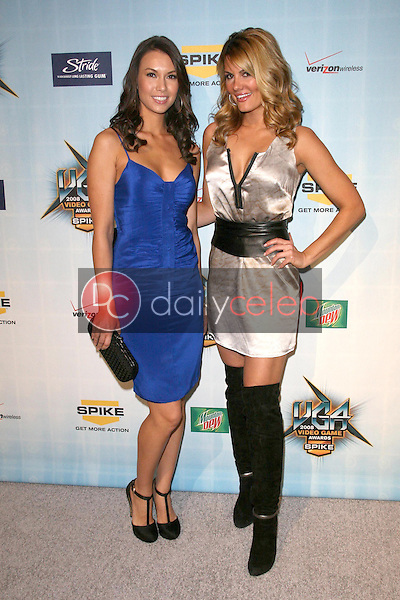 Sarah Larson and Courtney Hansen <br /> at Spike TV's 2008 'Video Game Awards'. Sony Pictures Studios, Culver City, CA. 12-14-08<br /> Dave Edwards/DailyCeleb.com 818-249-4998