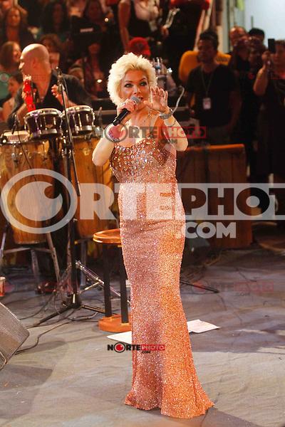La cantante Marisela   durante su concierto en el Palenque de la Feria Expo Ganadera de Sonora. Hermosillo Mexico a 30 de  Abril, 2014.