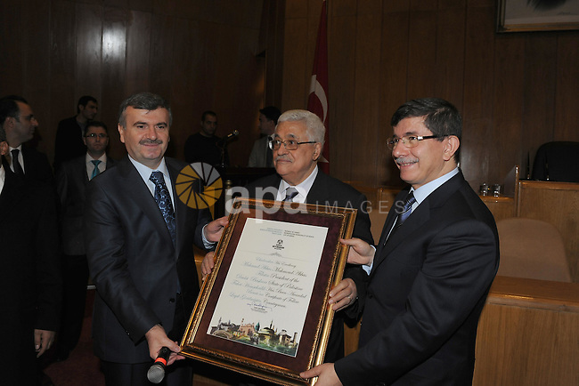 The mayor of Konya Turkish ,Otaurk Taher, Grant Palestinian President, Mahmoud Abbas (Abu Mazen) a citizen of the city, also decided to rename a park in Konya on behalf of President Mahmoud Abbas. on Dec 20, 2011. Photo by Thaer Ghanaim