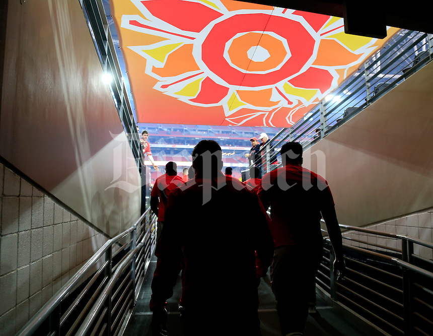 Ohio State Buckeyes walk out for warmups before their game against Notre Dame Fighting Irish in the Fiesta Bowl on January 1, 2016.  (Dispatch photo by Kyle Robertson)