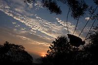Itupeva_SP, Brasil...Silhueta de um balanco...The seesaw silhouette...Foto: MARCUS DESIMONI / NITRO
