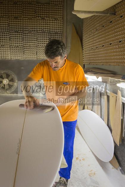 France, Aquitaine, Pyr&eacute;n&eacute;es-Atlantiques, Pays Basque, Bayonne:  Philippe Barland, cr&eacute;ateur de planches de surf, Soci&eacute;t&eacute;  Barland // France, Pyrenees Atlantiques, Basque Country, Bayonne: Philippe Barland, creator of surfboards, Barland Company<br />  [Non destin&eacute; &agrave; un usage publicitaire - Not intended for an advertising use]