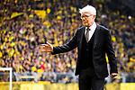 11.05.2019, Signal Iduna Park, Dortmund, GER, 1.FBL, Borussia Dortmund vs Fortuna Düsseldorf, DFL REGULATIONS PROHIBIT ANY USE OF PHOTOGRAPHS AS IMAGE SEQUENCES AND/OR QUASI-VIDEO<br /> <br /> im Bild | picture shows:<br /> Reinhard Rauball (Praesident BVB) begruesst die Spieler, <br /> <br /> Foto © nordphoto / Rauch