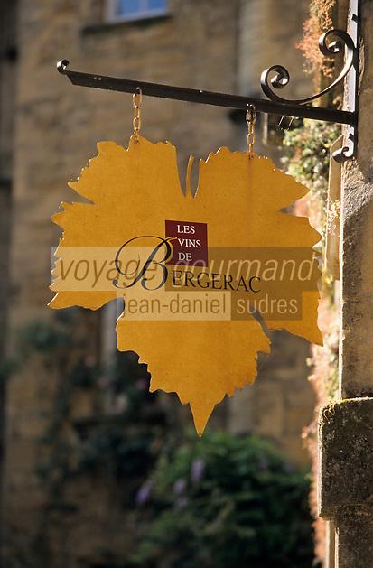 Europe/France/Aquitaine/24/Dordogne/Vallée de la Dordogne/Périgord/Périgord Noir/Sarlat-la-Canéda: enseigne de vins de Bergerac